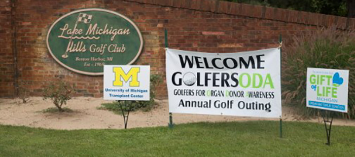 Golfers for Organ Donation Awareness signs
